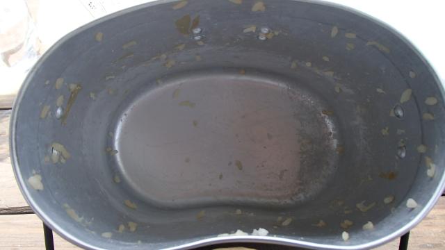飯盒の底は焦げ付きもなく完璧な炊きあがり