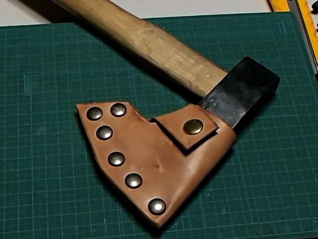 手斧用革シースの完成