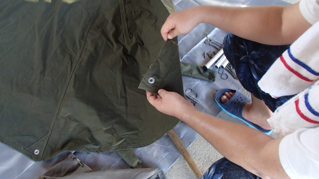ポーランド軍テントSサイズのハトメ