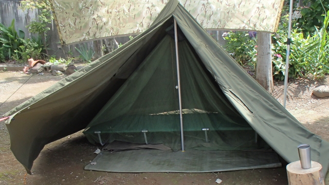 ポーランド軍テントと蚊帳とローコット
