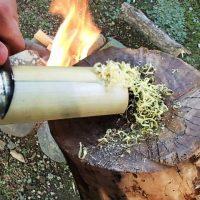 竹で火口(ほくち、ティンダー)と焚き付けを作る