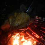 焚き火バーベキューなローストチキンなロティサリーチキン