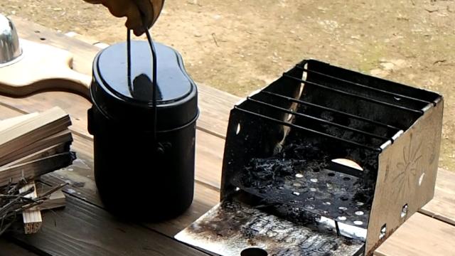 炊けたら10分間蒸らす