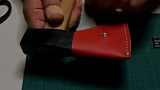 ペラペラな純正手斧シース