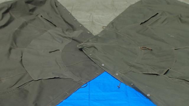 ヒラヒラのある方がポーランド軍テントの表側と定義