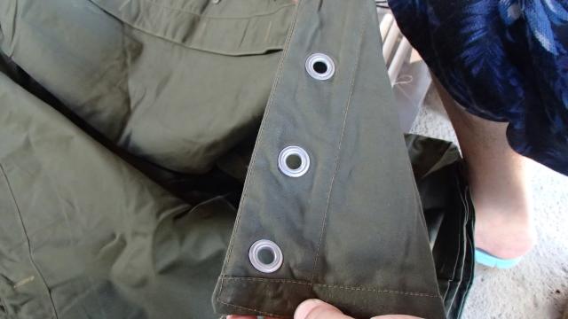 ポーランド軍テントLサイズのハトメ