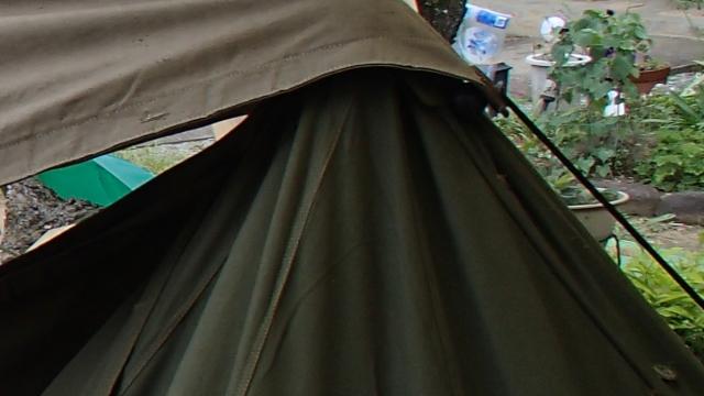 プラシュパラツカをこういう風にポーランド軍テントにかぶせている