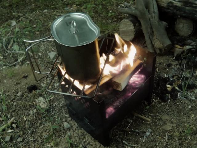 キャンティーンカップと焚き火