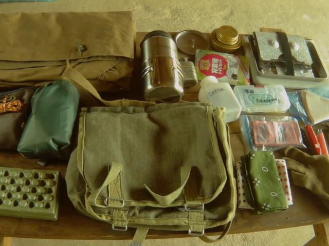 ハバーサック(ポーランド軍ブレッドバッグ)の中に入れている道具
