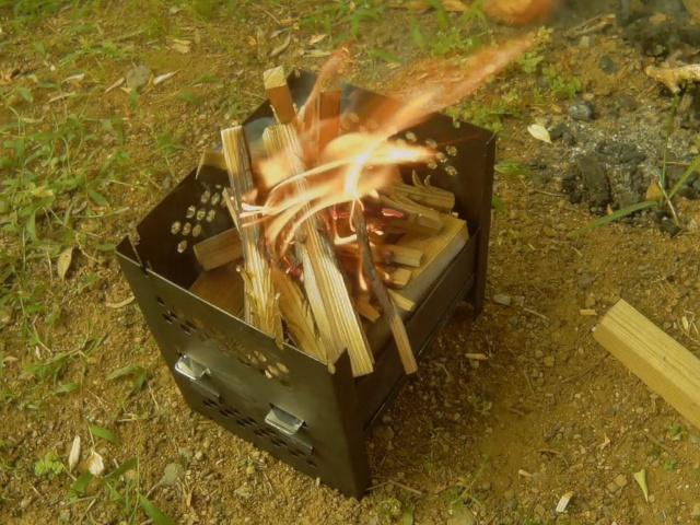新しいロストルでの野外燃焼テスト
