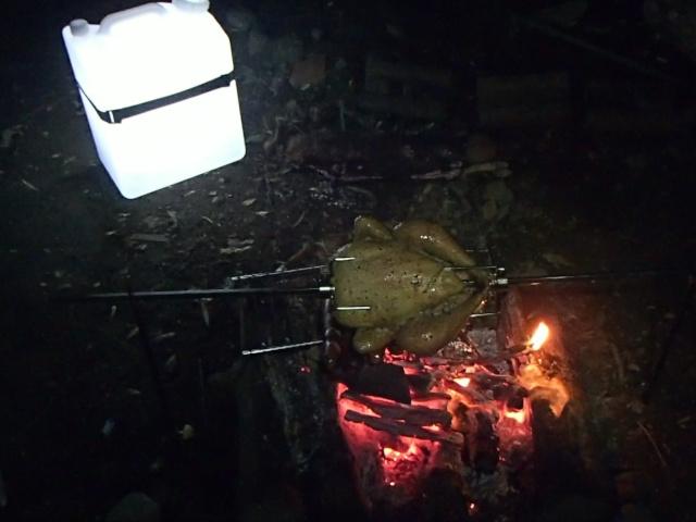 焚き火バーベキューとポリタンクランタン