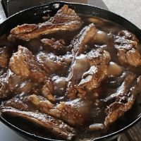 簡単中華風スペアリブのコーラ煮の作り方
