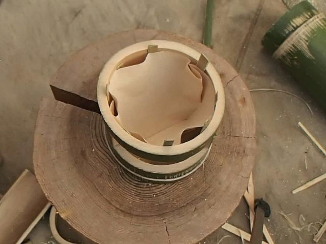竹コーヒードリッパーにドリップペーパーを入れたところ