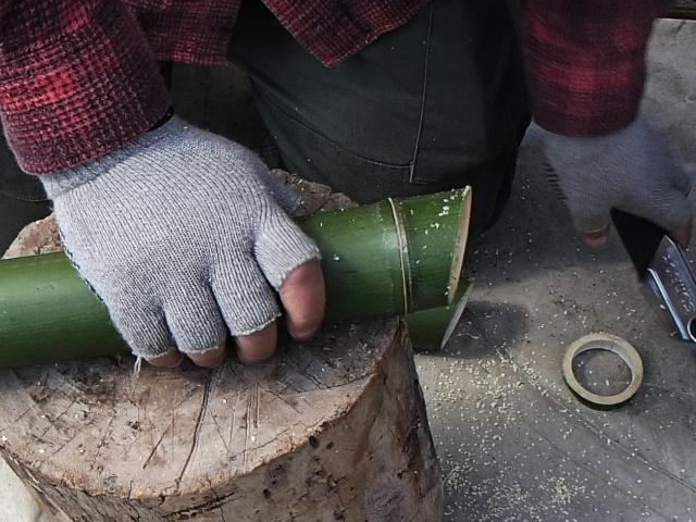 竹を斜めに切ったところ