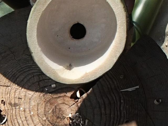 竹水筒の穴がこんな感じになる
