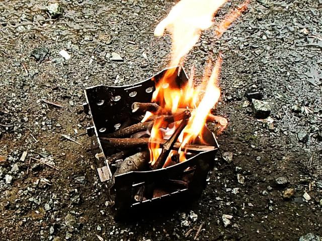 サボータの焚き火台